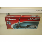SALE OUT. Razor A5 Air Scooter - Black, DAMAGED PACKAGING, DEMO , USED. Razor 22 month(s)  73,00