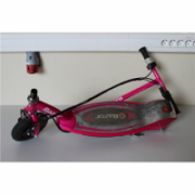 SALE OUT. Razor E100 Electric Scooter - Pink / REFURBISHED; USED; SCRATCHED; WITHOUT ORIGINAL PACKAGING Razor E100, Electric Scooter, 3 month(s), Pink,  108,00